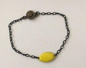 Yellow black oval link chain bracelet
