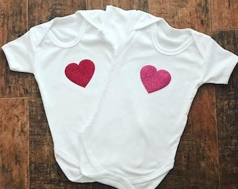Valentines onesie, valentines bodysuit, glitter heart onesie, red heart onesie, ponk heart onesie, baby heart romper, hearts bodysuit
