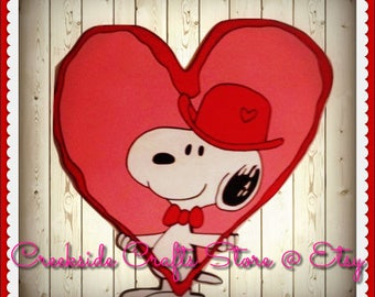 Snoopy Valentines Day Heart Holding Wooden Cutout Yard Art/ Window  Display/Classroom Display