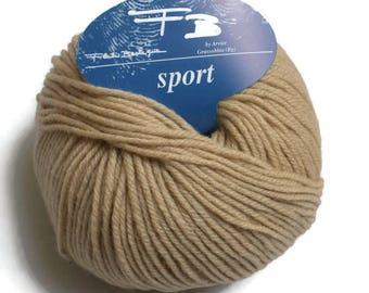Beige knitting wool-blend yarn  50 gr 125 m Strickgarn aus Wollmischung beige Laine a tricoter beige