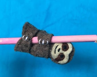 Sloth puppet pencil topper