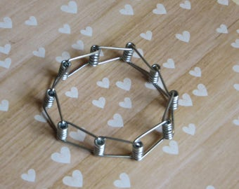 wire fashion and fidget bracelets