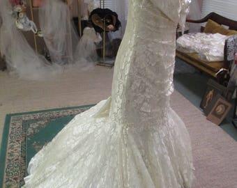 Ivory lace mermaid size 14