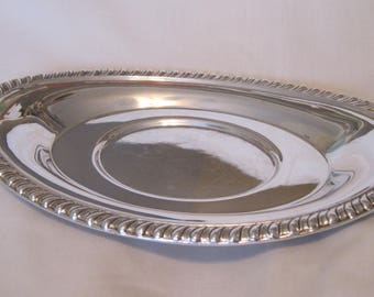 Versatile Silverplate Small Oval Tray