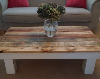 Wood pallet farmhouse coffee table