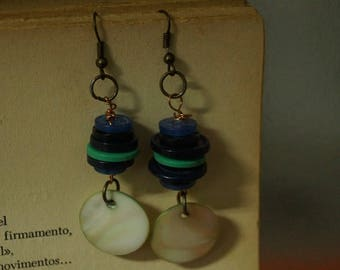Chandeliers earrings, Green and Blue butons