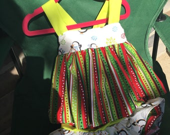 Christmas outfit size 6-12 months.