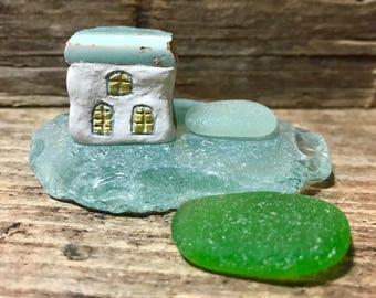 Mini Beach House, Pottery * Pottery Art * Green Sea Glass * White Little Clay Cottage & Sea Pottery Shard * Coastal Decor * Miniature Deco