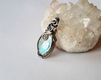 Blue Labradorite wire wrapped pendant