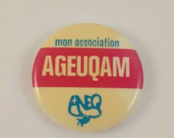 Vintage Montreal UQAM pinback button