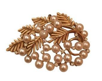 Vintage Trifari Pearl & Stone Gold Leaf Brooch Pin