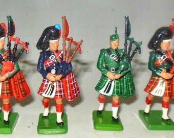 BRITAINS assotted pipers