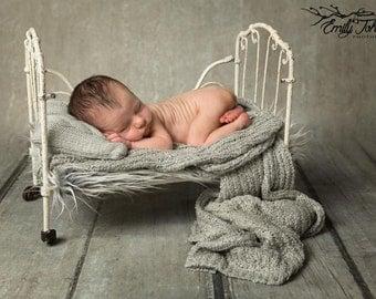 Knitted Mini Posing Pillow, Newborn Posing props, Newborn Photography Prop, Grey Knitted Posing Pillow, Newborn Posing Pillow, Newborn Prop