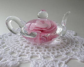 Art glass teapot paperweight  by Dynasty Gallery Heirloom Collectables vintage paperweight