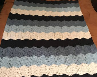 Wave/chevron style afghan/blanket