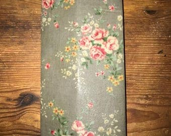 Reusable Beeswax Food Wrap Light Grey Vintage Floral Rose Small 20cm x 20cm Eco Friendly