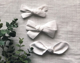 White Clean Classic Hand Tied Bow Bubble Knot Bows Nylon or Clip