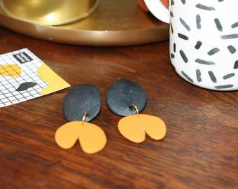Vintage Flower Earrings yellow ochre and black glitter