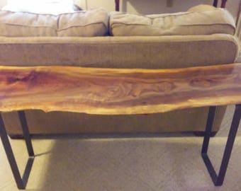 Claro Walnut console/sofa table