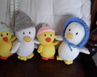 Knitted cuddly toys