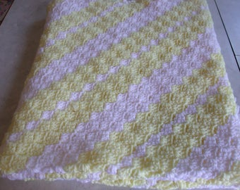 Crochet Baby afghan, Shells on the diagonal