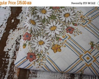 CRAZY SALE- Vintage Daisy Sheet-Lovely Garden-Flat
