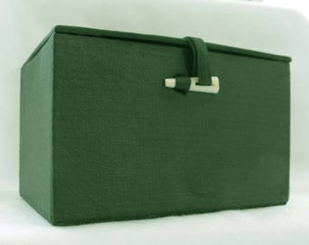 "Vintage Box, Gift or Treasure, Forest Green, Satin Moiree, White ""Tooth"" Closure, ca 1970s NT-1125"