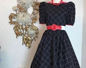 1980s dress cotton dress black and white dress size medium puff sleeves dress full skirt dress 80s does the 50s 27 waist