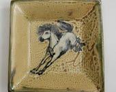 Assiette carrée avec glissement trainé cheval