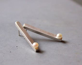 Elegant Long Sterling Silver Earstuds with Freshwater Pearl, Minimal Earrings, Modern Silver Jewelry, Contemporary art