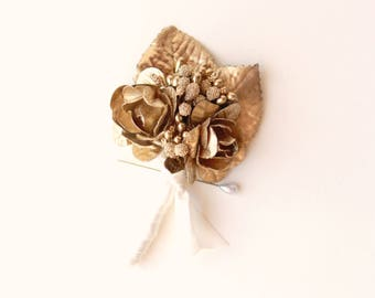 Gold wedding boutonniere, Gold wedding, Golden groomsmen buttonhole, Gold flower boutonniere, Holiday Wedding, Gilded floral bout