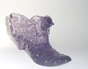 FENTON  Lilac Color Shoe -Large Size with Cat Decor - Button Pattern - Nice One