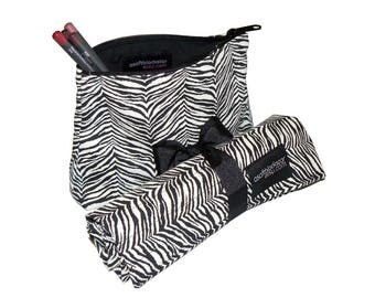 Travel Set of a Makeup Brush Roll and aMakeup Bag, Zebra/Tiger, Black and White