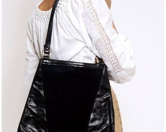 Vintage 1970s Black Leather and Suede Trapezoid Shoulder Bag