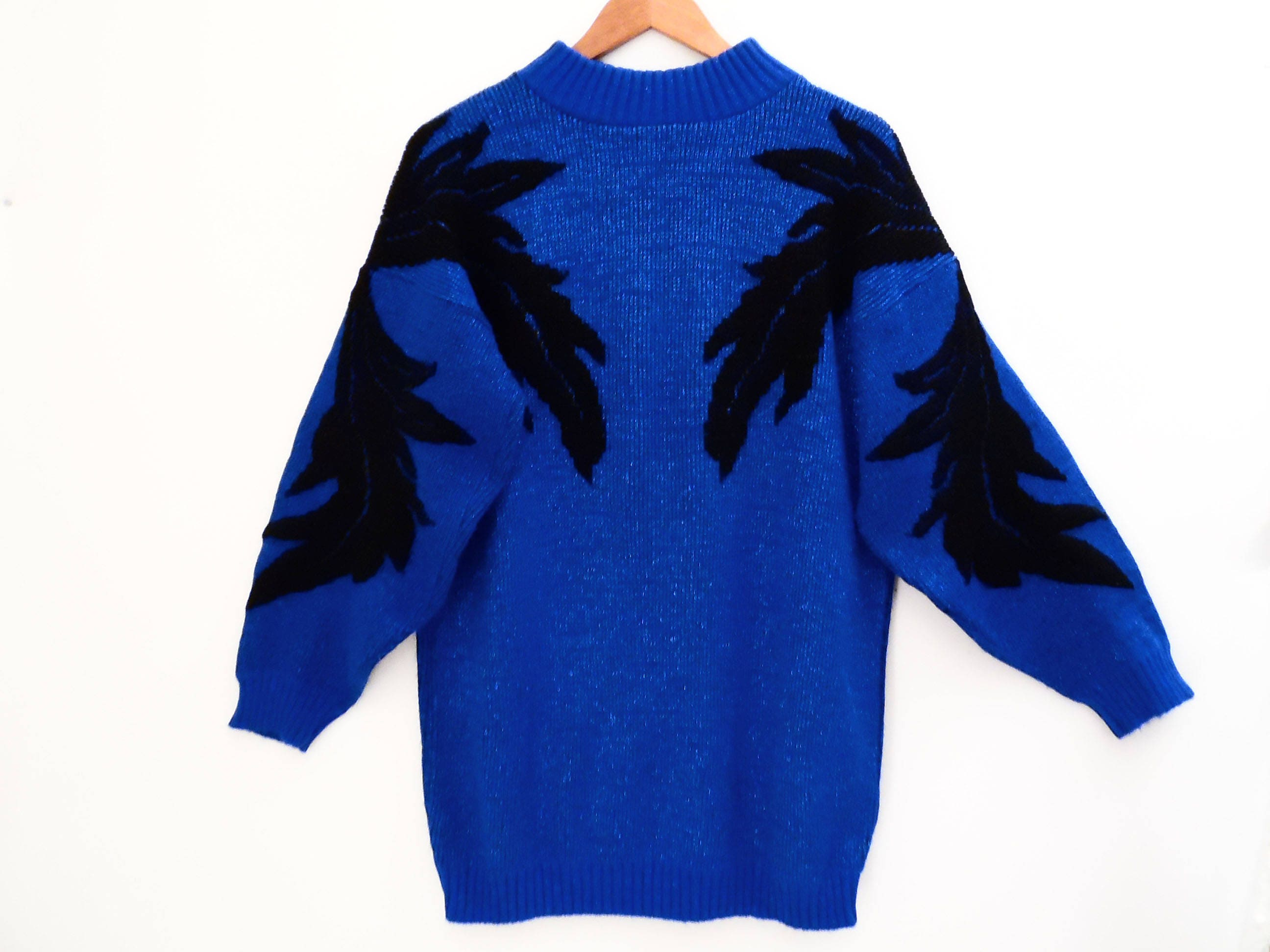 80's ELECTRIC BLUE glitter sweater // vintage oversized