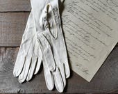 Vintage Full Length White Leather Dress Gloves, Formal Wear, Holiday Fashion, Evening & Formal Gloves, Wedding Wear