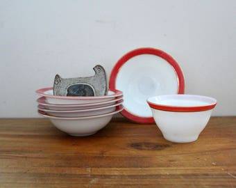 vintage 1950s Pyrex Dinnerware Salmon Pink Red & Gold Band Set of 5 Bowls and 1 Odd Bowl