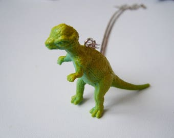 ♥ ♥ ♥ Green dinosaur pendant