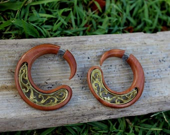 Fake Gauge Earrings,Wood Organic ,Tribal style,Expander ,faux gauge ,hand carved,naturally,fake piercing