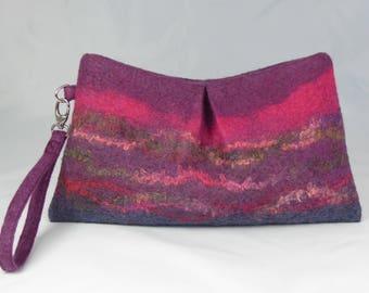 Felt Clutch Bag, Felt Wristlet, Felt Handbag, Felt Bag, Felt Purse, Clutch, Wristlet, Purple Wool Felt Bag, Accessory Bag, Gifts for Her