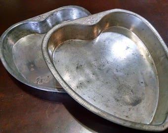 Vintage Pans / 2 Cake Pans / Valentine's Heart Pans / Bake King Pans / Retro Bakeware / Vintage Bakeware / Valentine's Cake Pans
