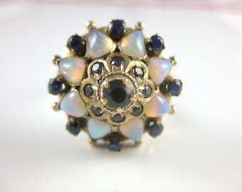 Size 8 Vintage 14k Gold Tear Drop Shape Opal & Blue Sapphire Star Shape Ring