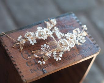 Dogwood Flower hair bouquet, necklace and earring set with crystal sprays, Boho wedding hairpiece
