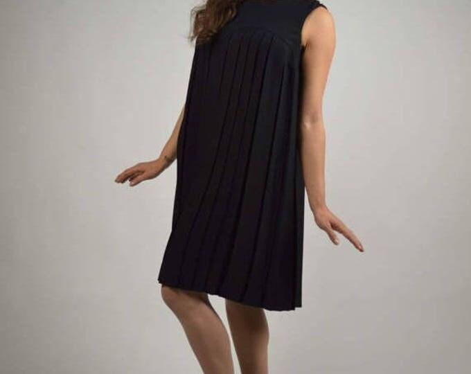 sale Vintage 60's  Dress, Black Dress, Pleated Dress, Sleeveless Dress, Mad Men Dress, Knife Pleats , Cocktail Dress, Little Black Dress,