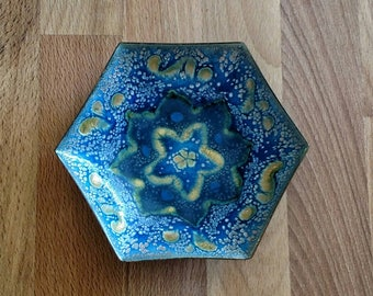 Enameled blue metal bowl hexagon / ring bowl / key bowl / trinket bowl / ring bearer bowl / trinket tray / hexagon / hygge / tealight candle
