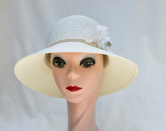Summer Straw Cloche Hat With Flower Trim / Downton Abbey Inspired Cloche Hat / Cream Cloche Hat / Vintage Inspired Cloche Hat