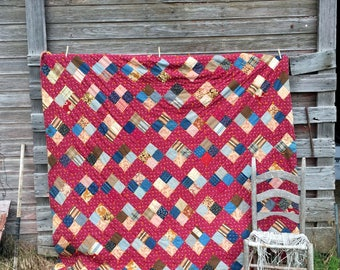 Antique 1920's Heavy Quilt Cotton Batting Patchwork Feed sack fabric 80x78 Reds