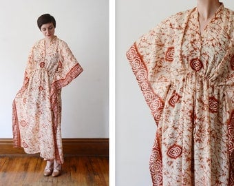 Vintage Silky Red and Cream Caftan - S/M/L