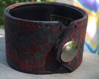 Leather Cuff, recycled, painted leather cuff, cuff bracelet, bracelet, leather bracelet, repurposed, painted design cuff, shimmery paint