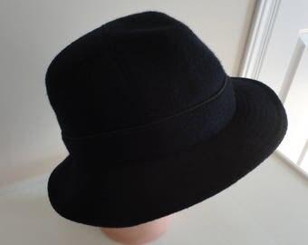80s Navy Men Hat Wool/Alpaga Blend Plaid Paris Elegance France 7 1/8 M/L 22 1/4 inches 58cm